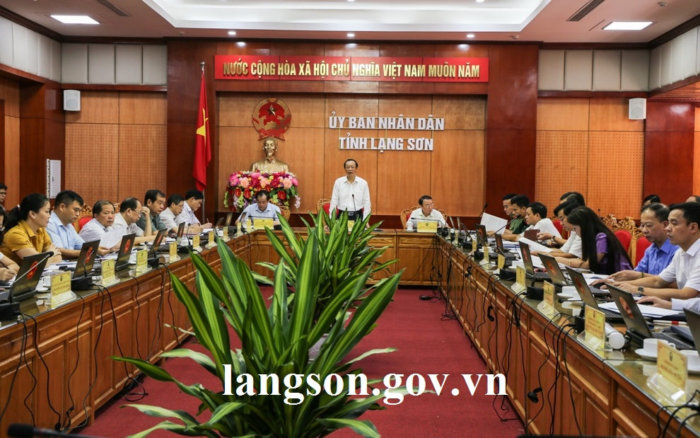 23.8.2019 Hop UB tinh ky 2 (2).jpg